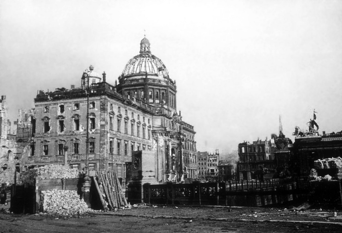 Berlin Palace destroyed after the war
