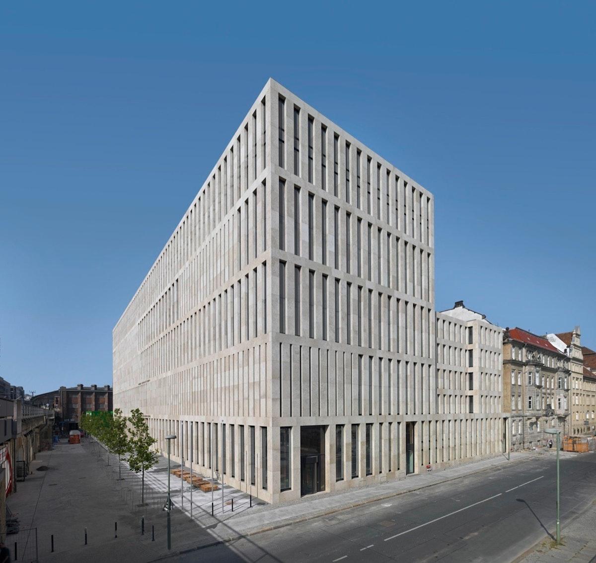 Jacob und Wilhelm Grimm Zentrum, Berlin